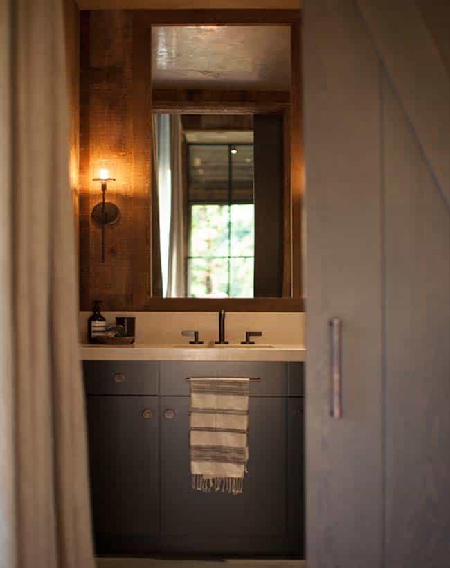Maison de style ferme-Jennifer Robin Interiors-12-1 Kindesign