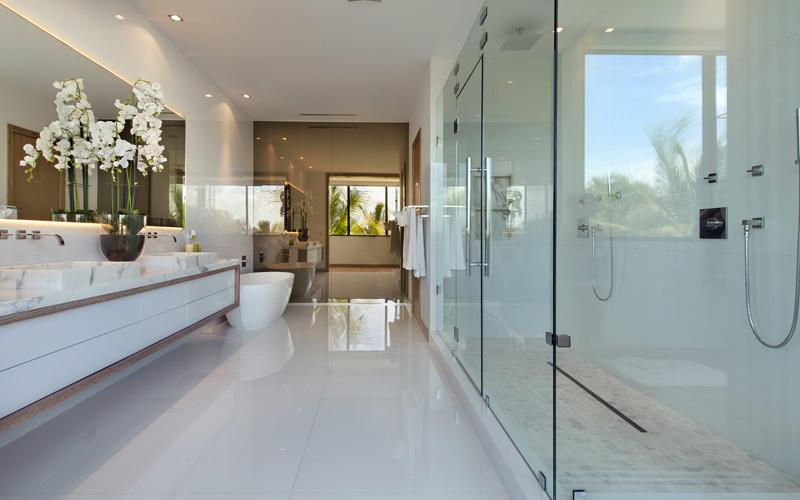 Toilettes et baignoire Miami