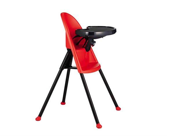 chaise à dossier incurvé