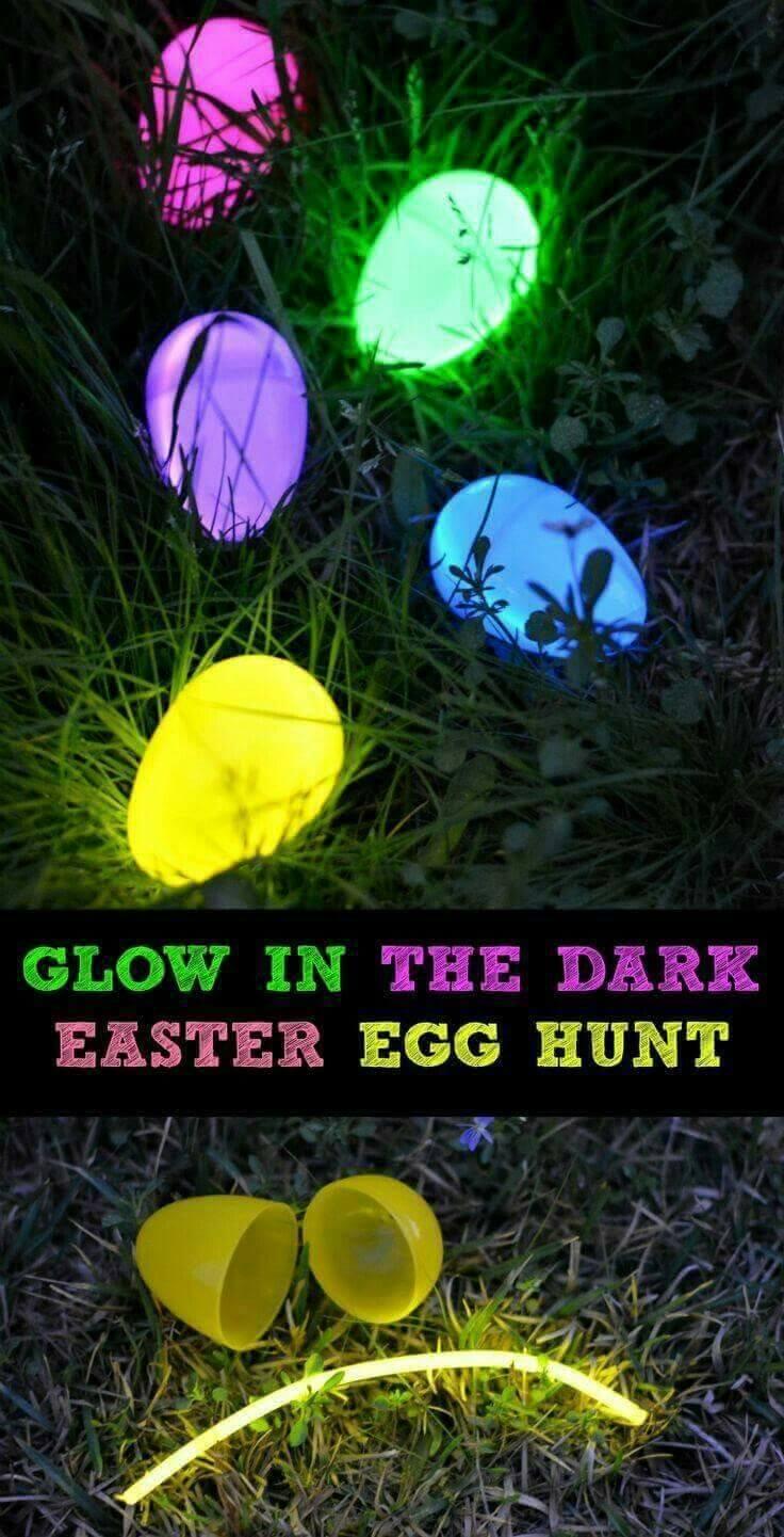 Pâques avec une touche nocturne : des œufs brillants