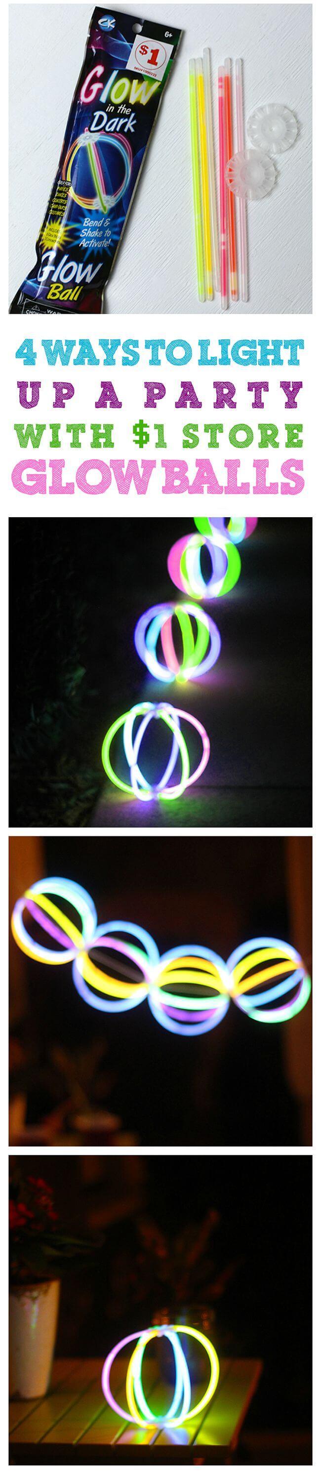Enfilez ensemble des boules lumineuses à l'aide de bâtons lumineux