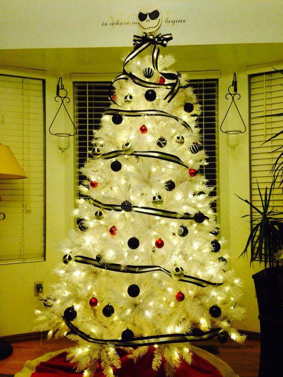 décor d'arbre de noël blanc simple mais mignon