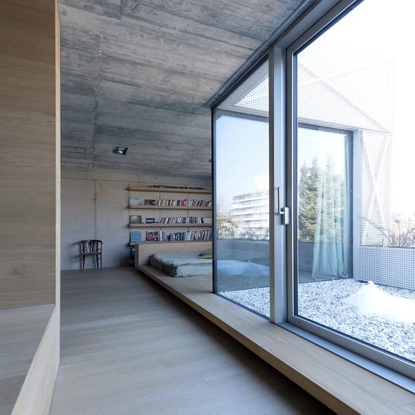 chambre à coucher en bois et verre