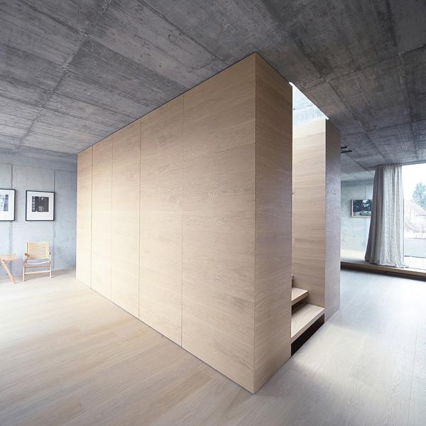 matériaux en bois spacieux