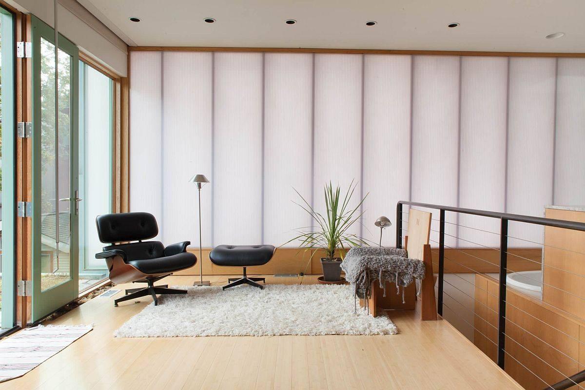 Cadre-gaie-du-salon-formé-par-panneaux-de-polycarbonate-translucide-88008