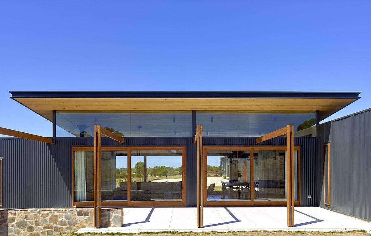 Bois-verre-et-acier-ondulé-forme-l-extérieur-de-cette-maison-aussie-moderne-rustique-83314