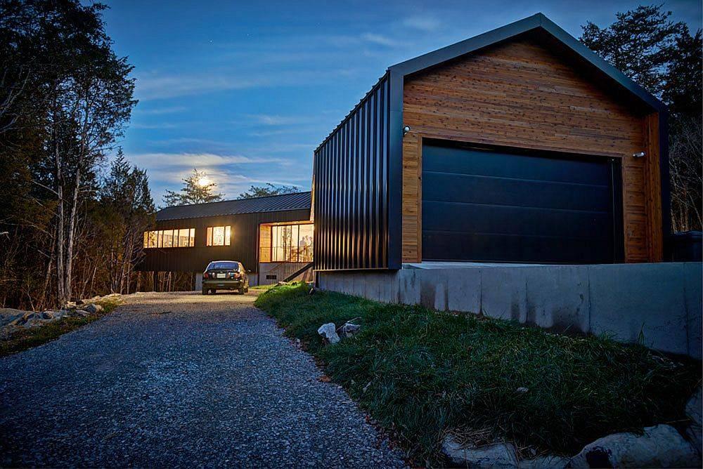 Entrée-et-allée-menant-à-la-belle-moderne-Holston-River-House-67820