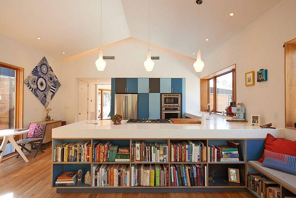 Etagères-ouvertes-pour-l'îlot-de-cuisine-qui-aide-à-stocker-des-livres-et-autres-objets-de-coratifs-74005