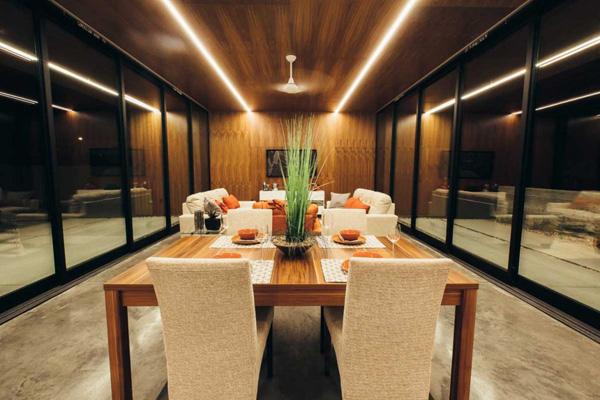 table à manger élégante en bois